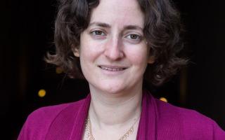 """ד""""ר שהם חשן-הלל בגלובס: קבלו את ההחלטה הנכונה וקצרו את תורנויות הרופאים המתמחים"""